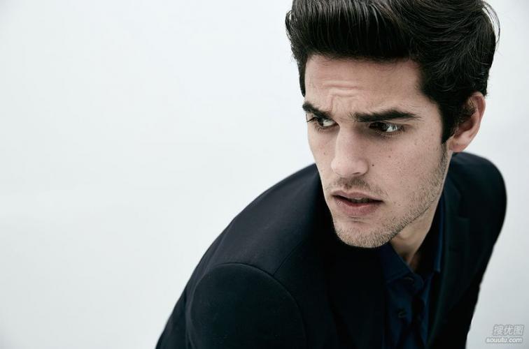 欧美魅力男人图片-品味帅气西装型男的魅力