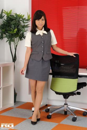 [RQ-STAR] NO.00460 Maika Sugisaki 杉崎マイカ Office Lady 写真集
