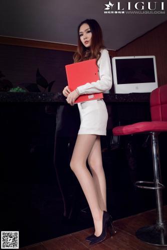 [丽柜LiGui] Model 允儿《办公室丝足》上下全集 美腿玉足写真图片