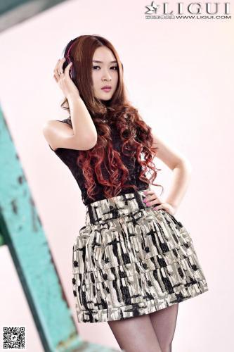 [丽柜LiGui] Model 允儿《超短连衣裙黑丝美足》美腿玉足写真图片