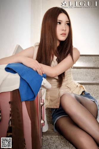 Model 允儿《牛仔黑丝女郎去旅行》[丽柜LiGui] 美腿玉足写真图片