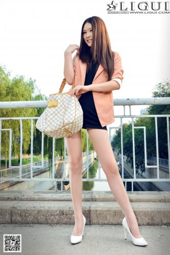 Model 允儿《天桥街拍时尚丽人丝足》上下全集 [丽柜LiGui] 美腿玉足写真图片