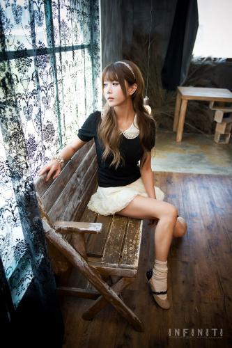 韩国少女许允美 Heo Yun Mi《光影下的美人》写真集