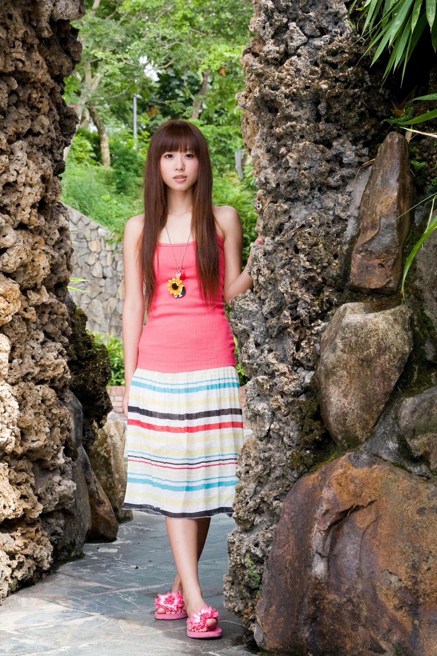 台湾美女洪诗/洪诗涵《小清新甜美外拍》写真集1