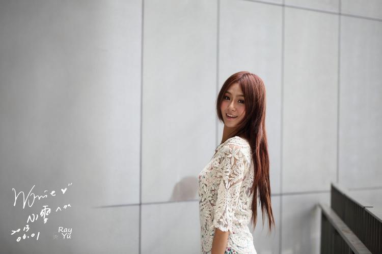 台湾女神Winnie小雪《2组外拍连衣裙图片》写真合集