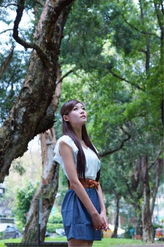 Winnie小雪/庄咏惠《春节校园外拍》写真集