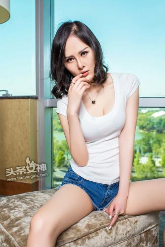 小美纯子/张纯《黑发天使 牛仔短裤》 [头条女神] 写真集