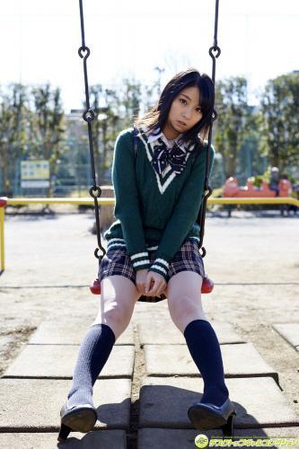 木嶋ゆり《制服が弾けるほどのムチムチボディで魅了!》写真集 [DGC] NO.1244