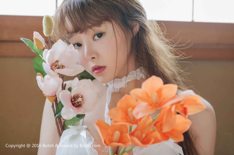 柳侑绮《白纱少女与花》 [Bololi波萝社] BOL.090 写真集1
