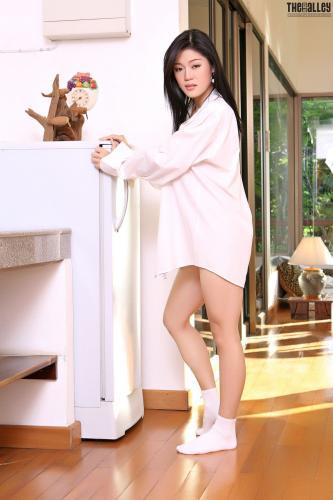 Ma Yu Jie《白衬衫诱惑》 [TBA/黑巷] 写真集