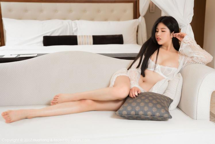 娜露Selena《两套略带透明质感的内衣》 [花漾show] VOL.016 写真集