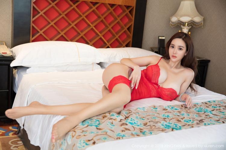 易阳Silvia《巨乳女神的性感丝袜》 [星颜社XINGYAN] Vol.080 写真集