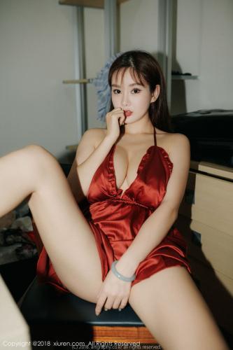 易阳Silvia《巨乳女神》 [秀人XIUREN] No.1204 写真集