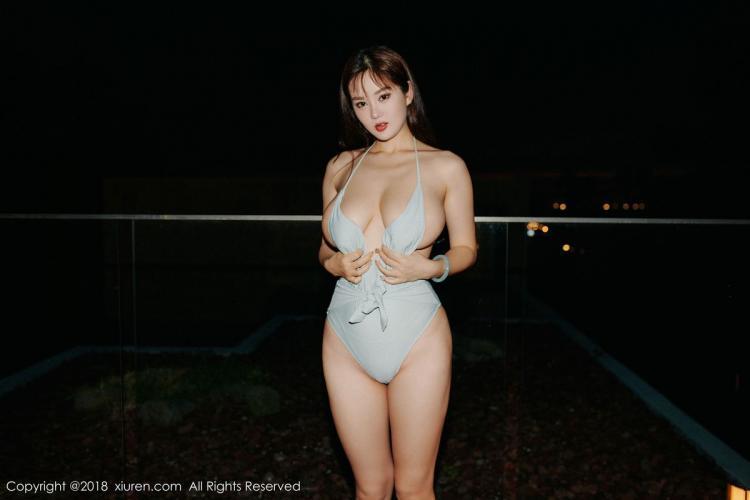 易阳Silvia《巨乳女神的超人类惹火身材》 [秀人XIUREN] No.1216 写真集