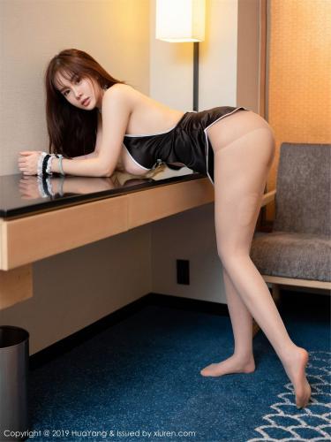 易阳Silvia《旗袍、睡衣与丝袜》 [花漾HuaYang] Vol.131 写真集