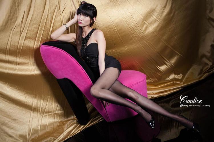 蔡译心Candice《黑丝眼镜娘》 [台湾美女] 写真集
