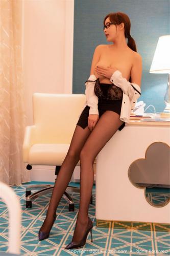 奶瓶土肥圆矮挫丑黑穷《白衬衫、黑丝袜的秘书制服》 [秀人XIUREN] No.1534 写真集