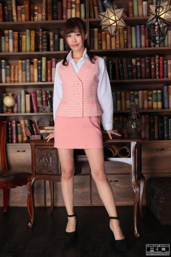 Aya Miyazaki 宮崎彩《Office Lady》 [RQ-STAR] 写真集
