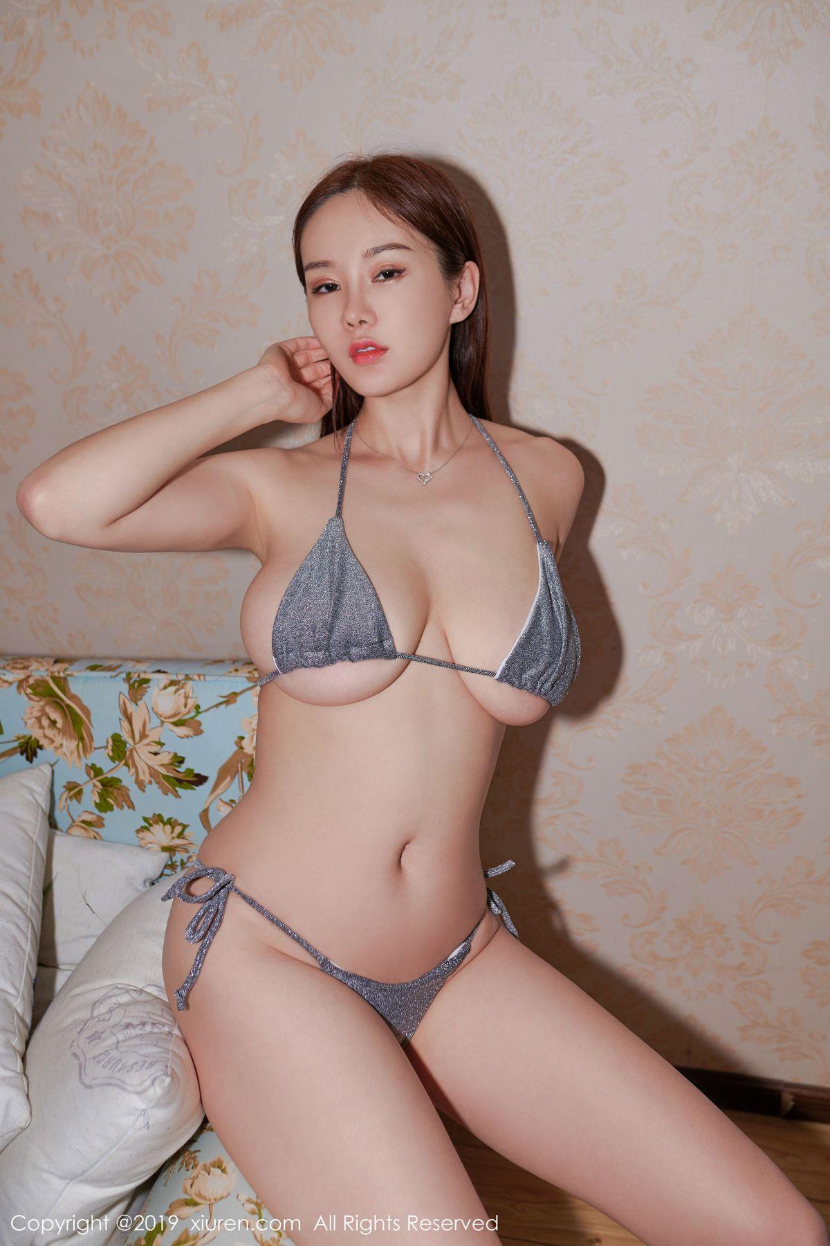 易阳Silvia《私房巨乳》 [秀人XIUREN] No.1594 写真集1