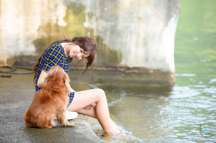 [韩国美女] 李恩慧 《湖边游玩》写真集