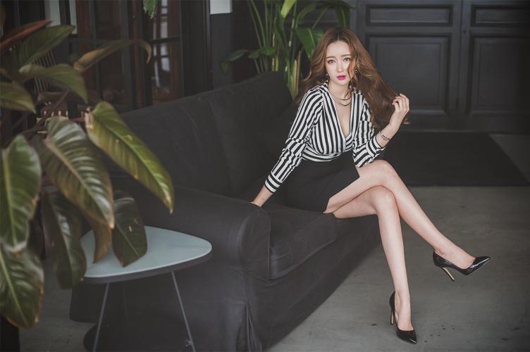 李妍静《绝美气质女神5》韩国美女写真集