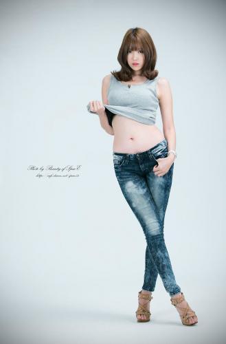 [韩国女神] 李恩慧《紧身牛仔裤》2 写真图片