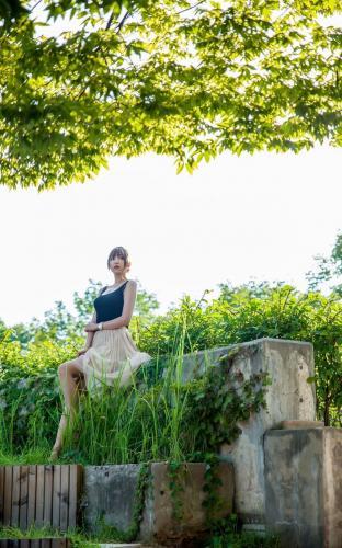 [韩国女神] 李恩慧 《背心+优雅长裙》唯美写真集