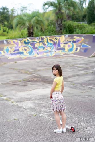 もなみ鈴(萌波铃) Suzu Monami [Graphis] First Gravure 初脱ぎ娘 No.167 写真集