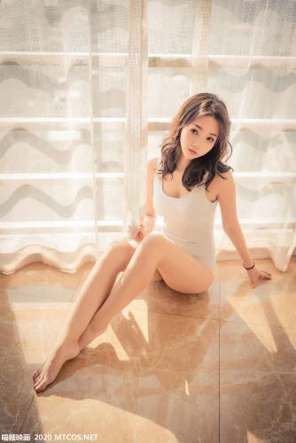 《阳光下的白泳衣》 [喵糖映画] VOL.099 写真集