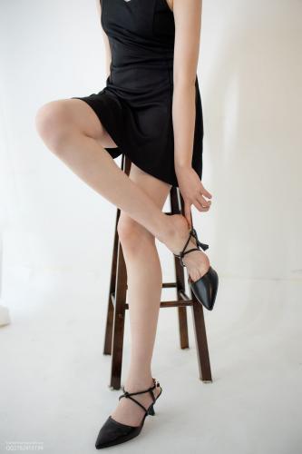 Aika《黑色员裙》 [森萝财团] JKFUN-049 写真集
