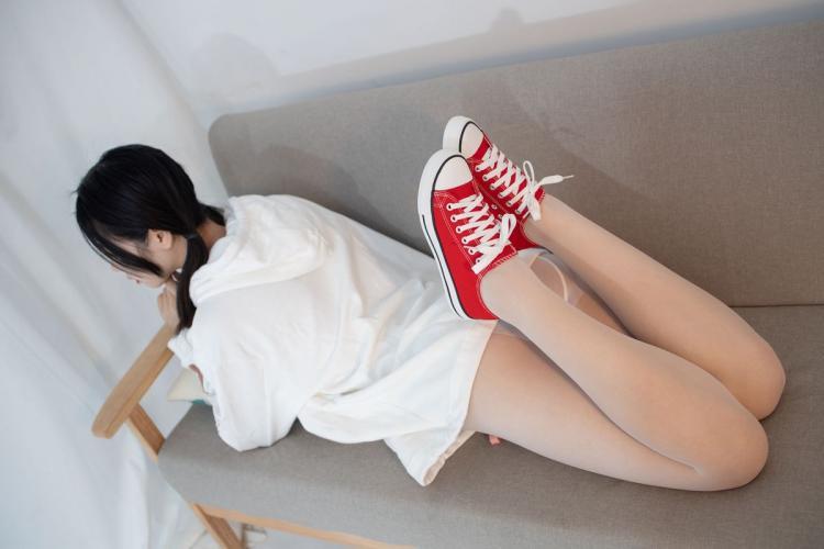 小夜《红布鞋白丝 13D白丝》 [森萝财团] JKFUN-056 写真集