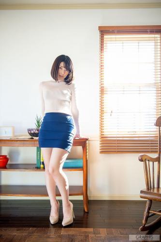 Hinata Koizumi 小泉ひなた 每日一枚  [Graphis] 写真集