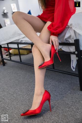 模特羽西 《红纱的美艳》 [异思趣向IESS] 写真集