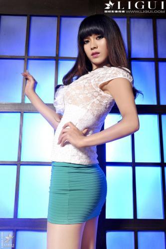 [丽柜贵足LiGui] Model 晴晴《超短裙高跟美足》美腿玉足写真图片