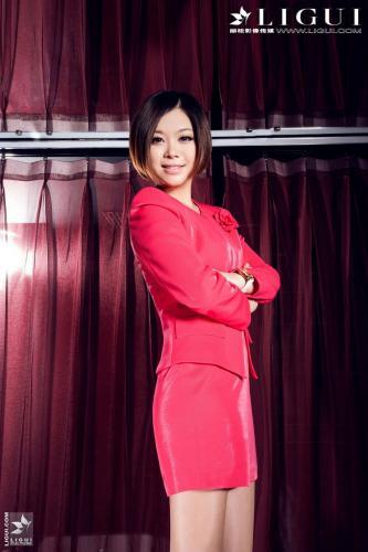 [丽柜贵足LiGui] Model 心儿《红色丽人高跟》美腿丝足写真图片