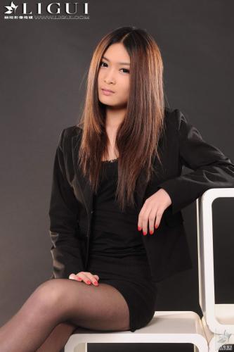 [丽柜LiGui] Model 允儿《黑丝OL职业装》 美腿玉足写真图片