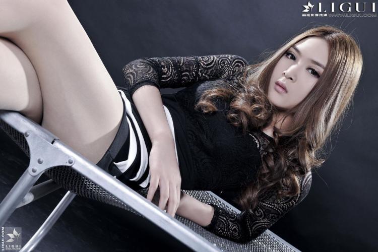 [丽柜贵足LiGui] Model 允儿《肉丝袜高跟女郎》美腿丝足写真图片