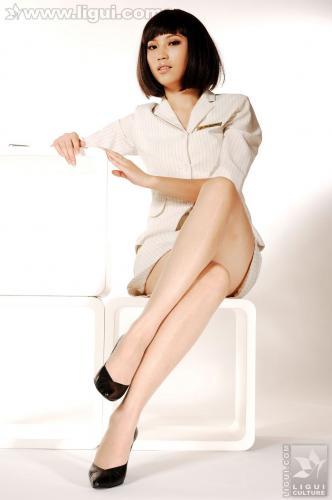 Model 左左《玉足丝袜风情万种》 [丽柜LiGui] 美腿玉足写真图片