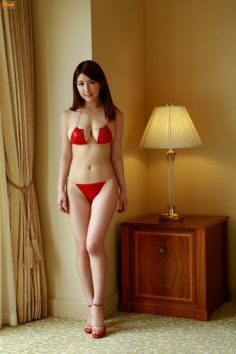 Arisa 亜里沙 写真集 [Bomb.TV] 2013年06月号