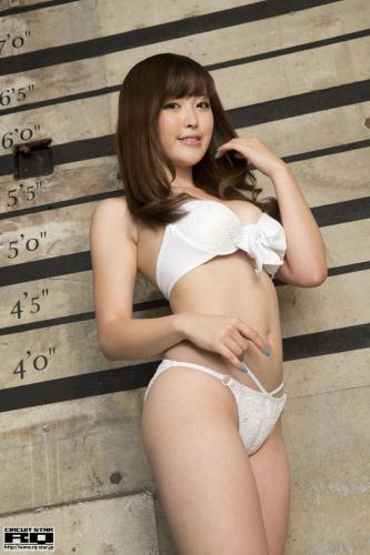 [RQ-STAR] NO.01023 Sara Oshino 忍野さら Swim Suits 写真集