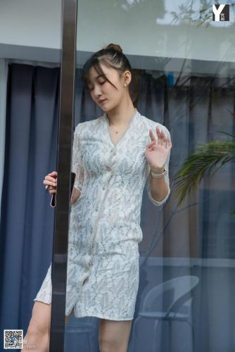 [异思趣向IESS] 模特 秋秋 《女友的家门口》 写真集