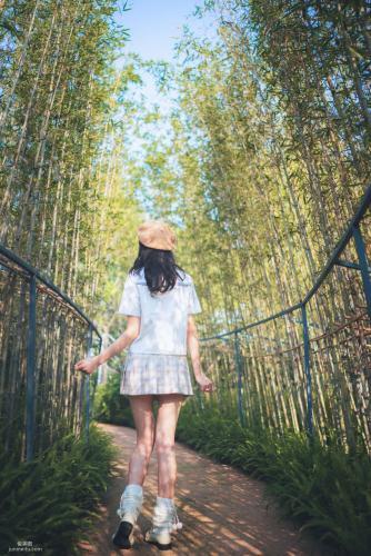 [网红Coser] 西瓜 《白云森林》 写真集