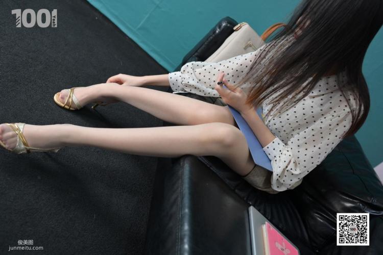 [IESS一千零一夜] 模特:西瓜《职场小白面试记2》 肉丝袜美腿写真集