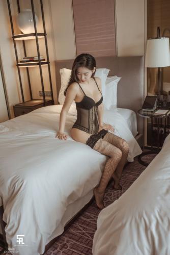 [saintphotolife] 申才恩Zennyrt 《性感OL女郎》 写真集