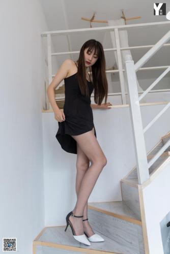 [IESS异思趣向] 模特:夏夏《黑长发与大长腿》 美腿写真集
