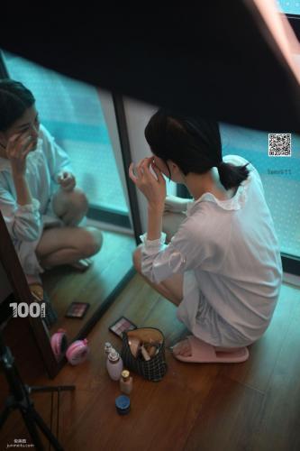 [IESS一千零一夜] 《网络女主播的私生活1》 丝足写真集
