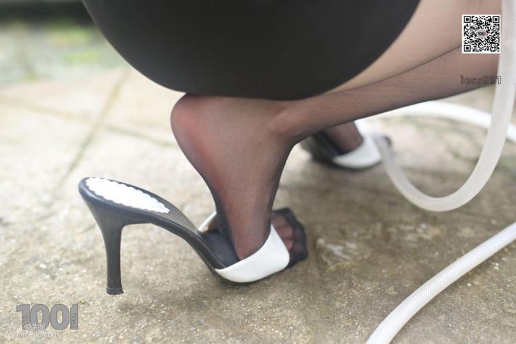 [IESS一千零一夜] 模特:腿腿《自助洗车3》 黑丝美脚写真集