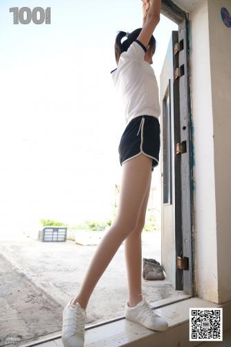 [IESS一千零一夜] 模特西瓜《拥抱阳光3》 肉丝袜美脚写真集