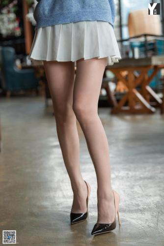 [IESS异思趣向] 模特:秋秋《百褶裙少女》 肉丝高跟写真集