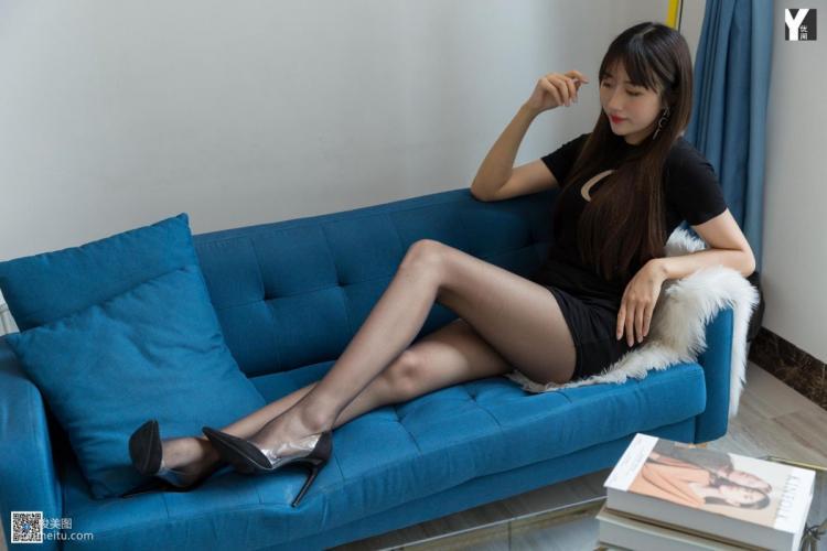 [IESS异思趣向] 新模《超长比例大模》 黑丝长腿写真集